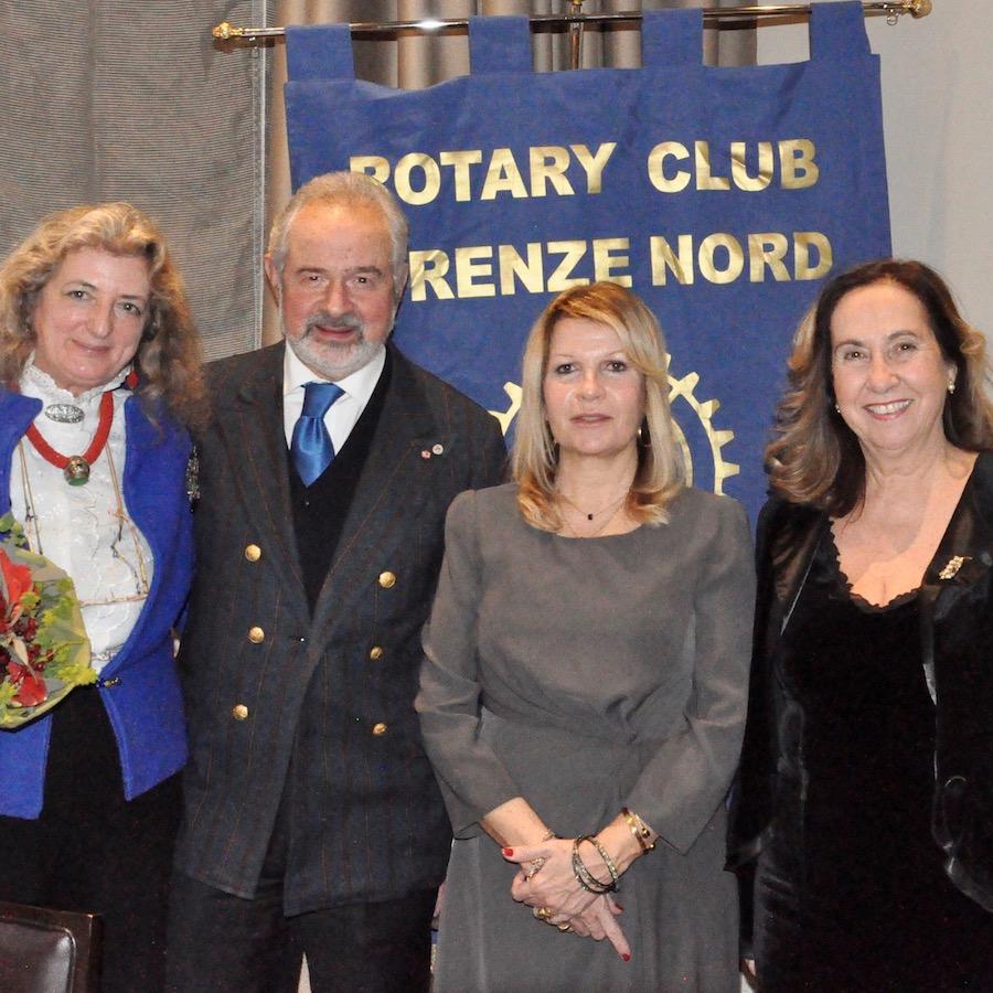 Da destra Antonia Antinolfi, il prefetto Laura Lega, il professor Giovanni Cipriani e consorte