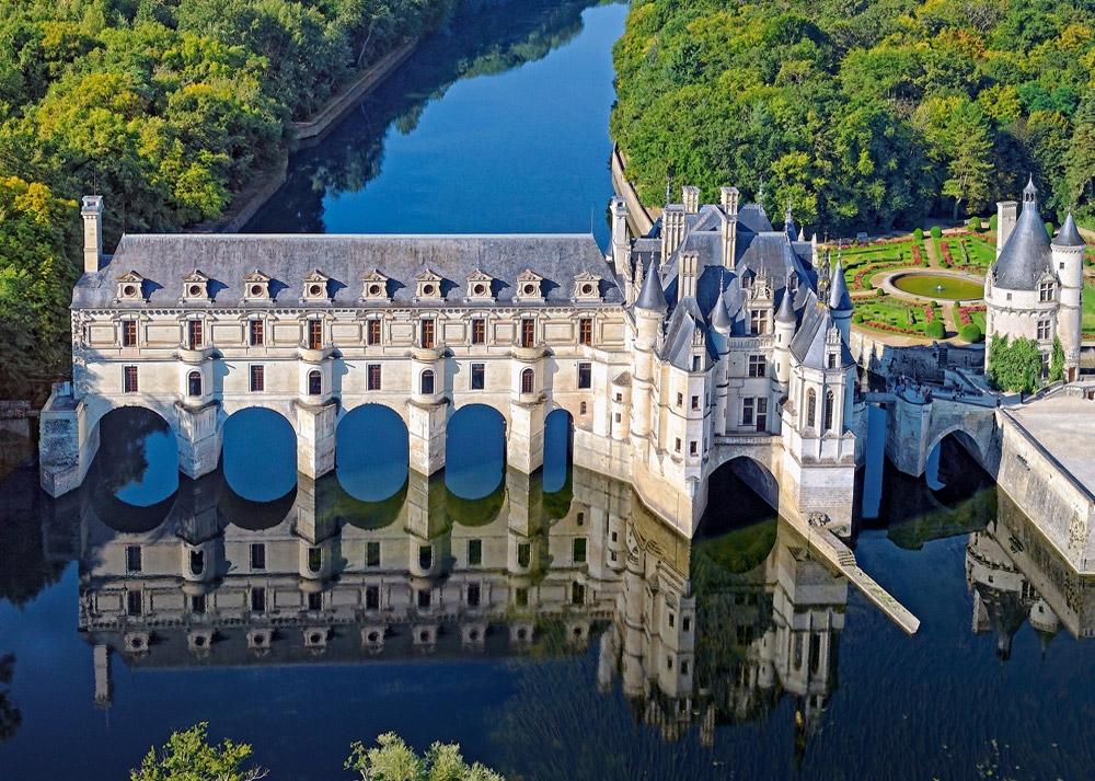 Il Castello Chenonceau nella valle della Loira