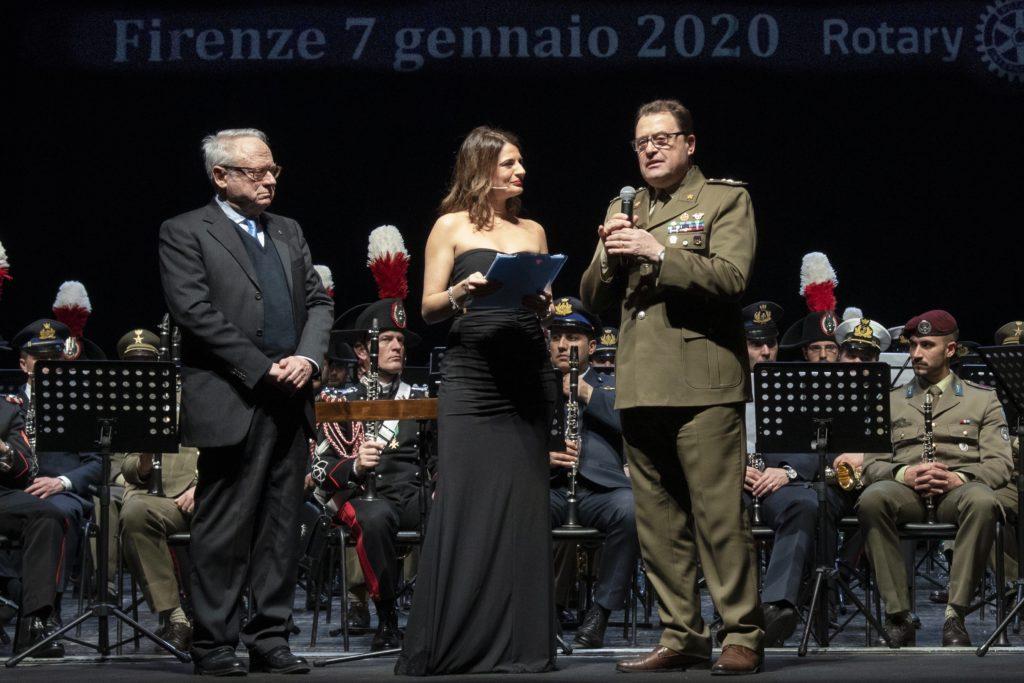 Il generale Pietro Tornabene con il Governatore del 2071° Distretto Rotary Massimo Nannipieri