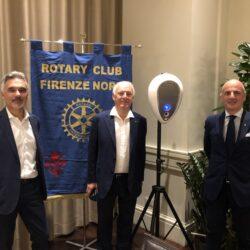 Da sin. Luca e Carlo Lastrucci con Marco Parducci presidente del Rotary Firenze Nord